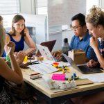 Fericirea angajaților la locul de muncă mă motivează să devin antreprenor